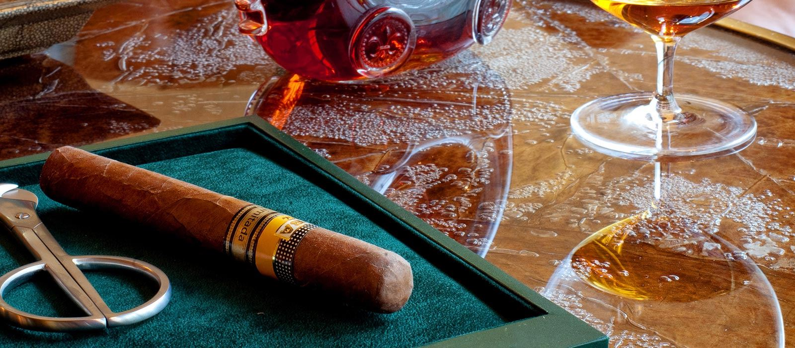 Tschuggen Grand Hotel_Cigar Lounge_Cigar