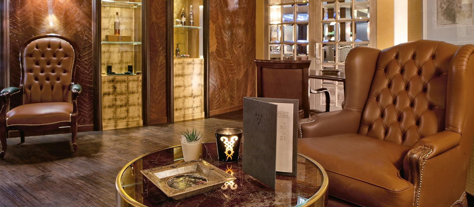 Tschuggen Grand Hotel_Cigar Lounge (1)