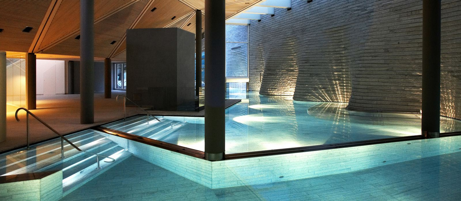 Tschuggen Grand Hotel_Wellness_Pool